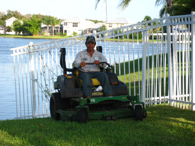 Paradise Lawn and Landscape - Commercial Grounds Maintenance - Brevard County